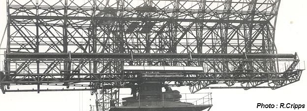 Front showing IFF aerial